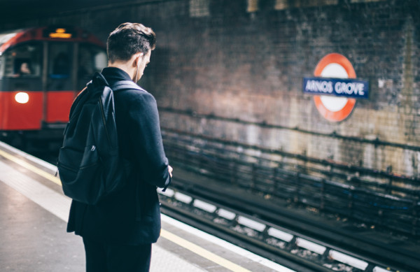 how-to-improve-your-english-while-commuting-to-work